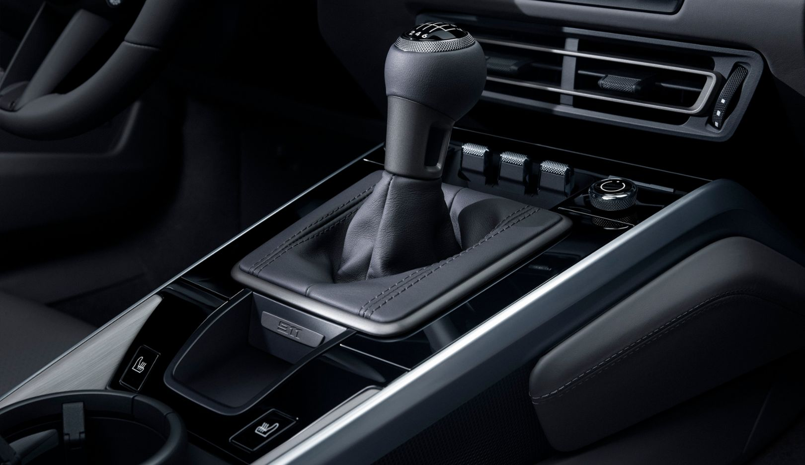 Seven-speed manual transmission option at no extra charge for 911 Carrera S and 911 Carrera 4S, 2019, PCNA
