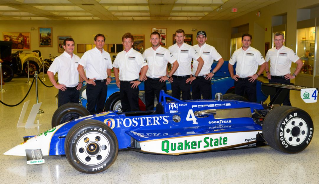 Bryan Sellers, Wolf Henzler, Patrick Long, Nick Tandy, Michael Christensen, Richard Lietz, Morgan Brady, Owen Hayes, l-r