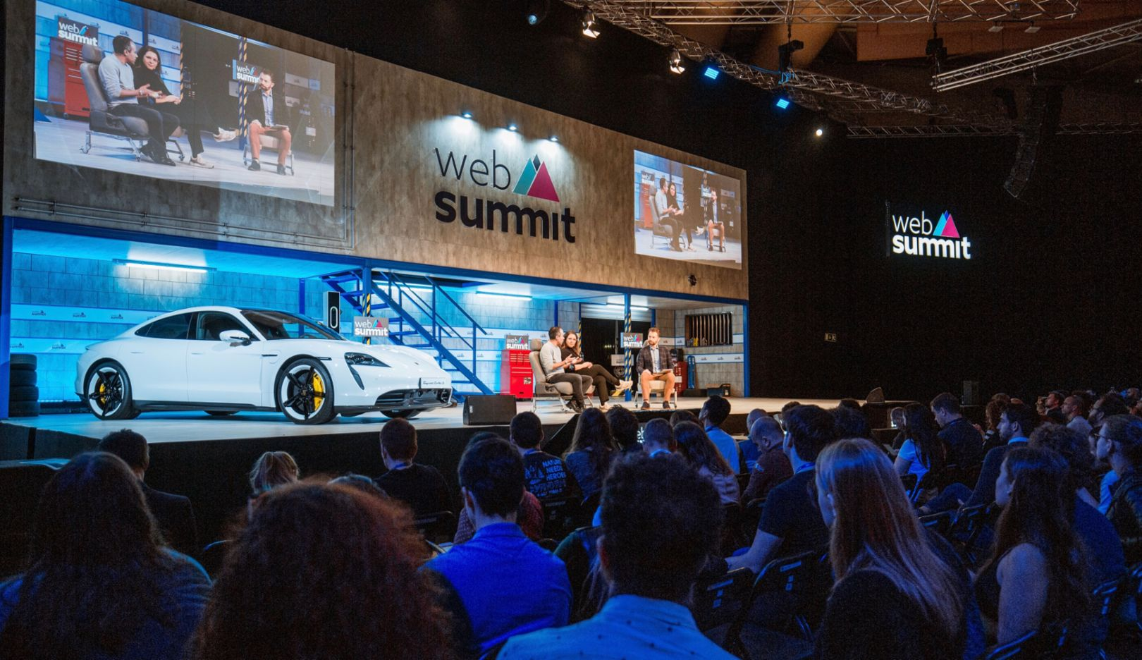 Porsche auf dem Web Summit in Lissabon