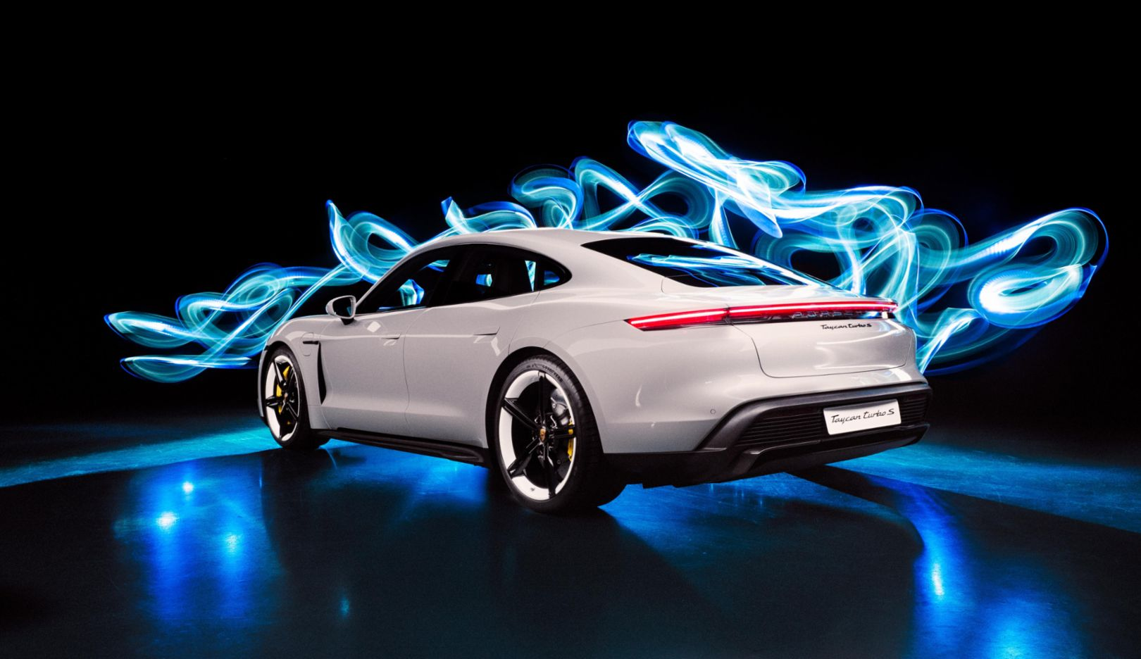 Taycan Turbo S, light painting by