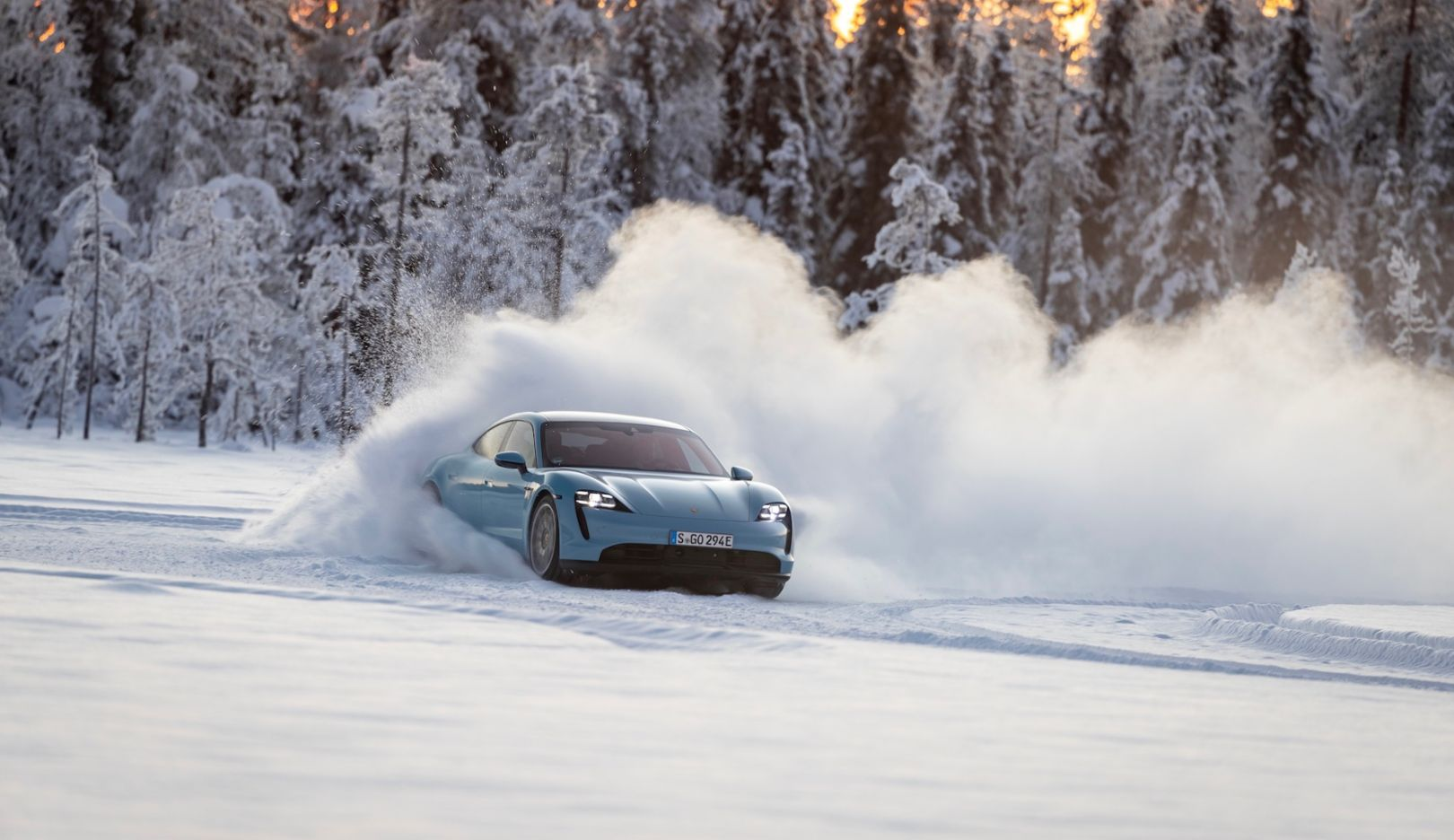 Hot on ice – the Taycan 4S in climatic extremes