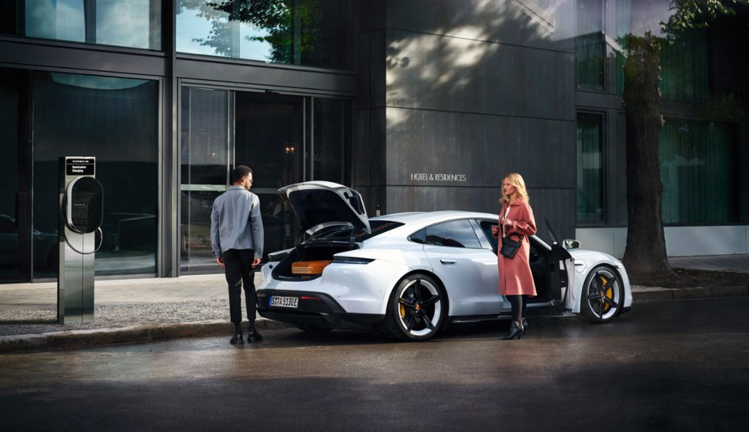 """""""Porsche Destination Charging"""": More than 1,000 charging points in operation - Image 1"""