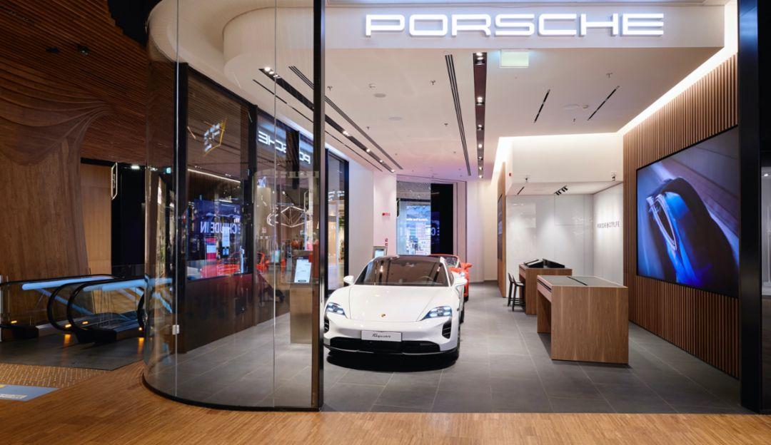 Porsche Italia opens a new concept store in Milan - Image 1
