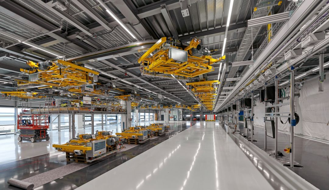Porsche Leipzig gets ready for electromobility - Image 5