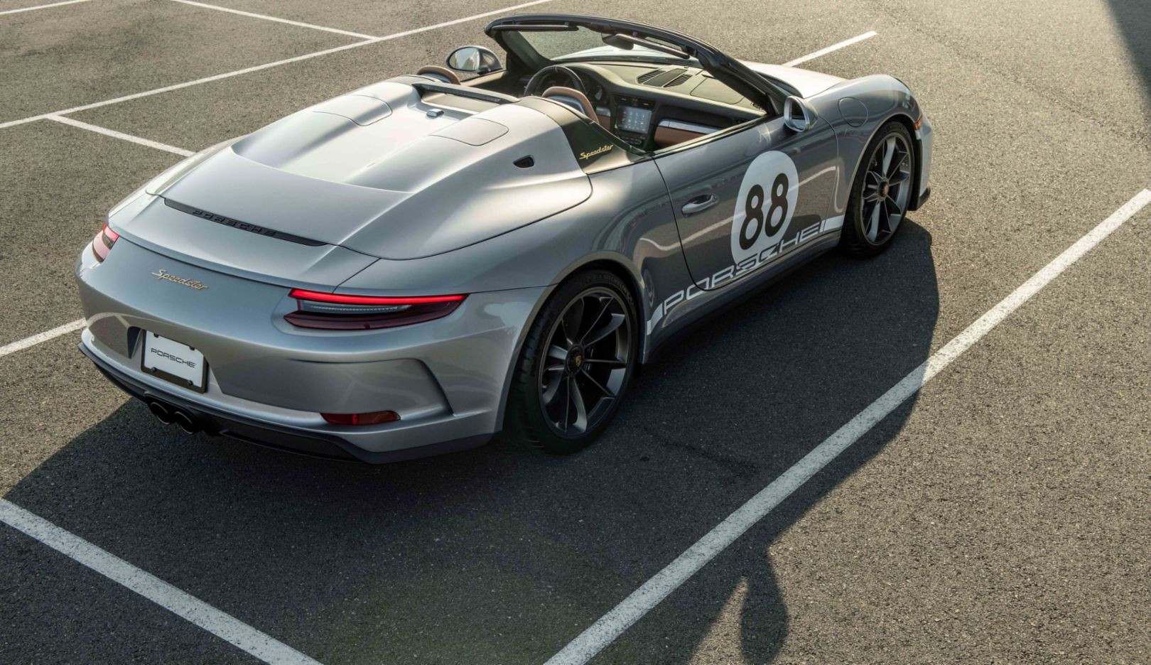 Porsche and RM Sotheby's to auction last 911 (991) for charitable COVID-19 fundraiser - Image 4