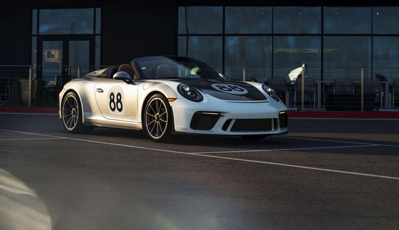 Porsche and RM Sotheby's to auction last 911 (991) for charitable COVID-19 fundraiser - Image 3
