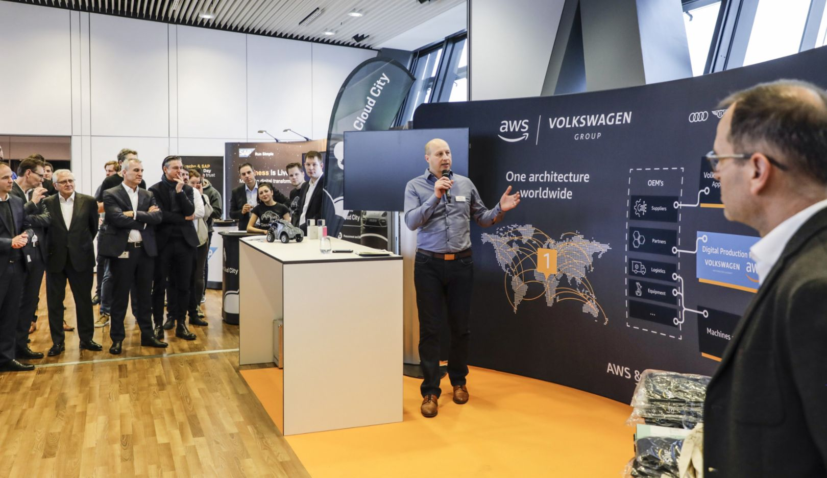 AWS presenting at the expo area of the Cloud Innovation Day, 2020, Porsche AG