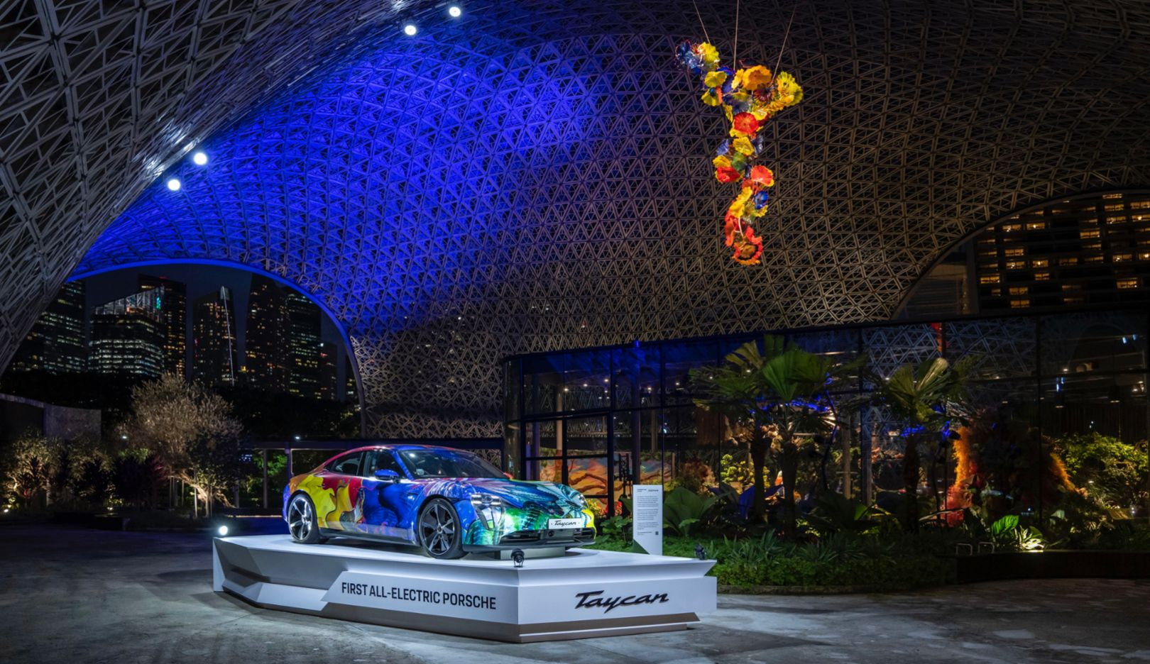 Floral Porsche Taycan in the Gardens by the Bay - Image 7