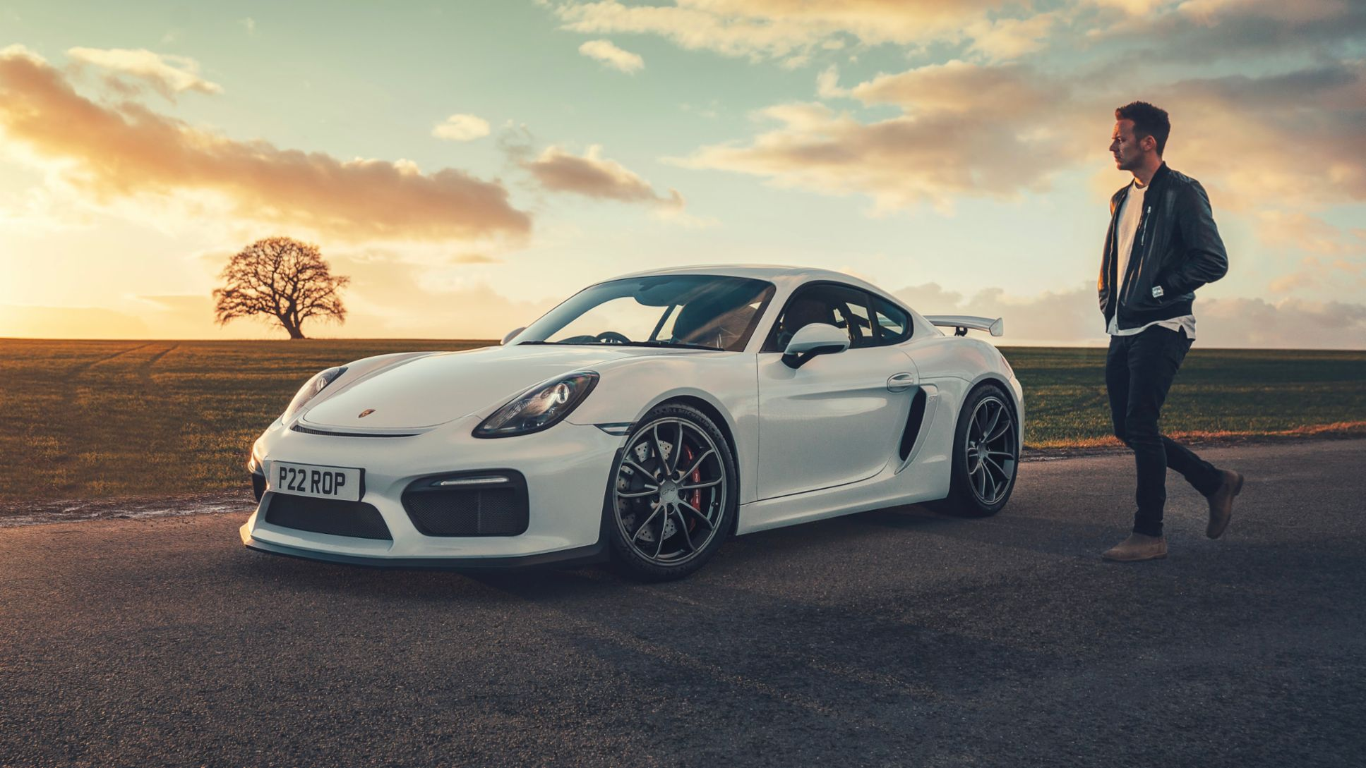 Richard Pardon, 718 Cayman GT4, 2020, Porsche AG