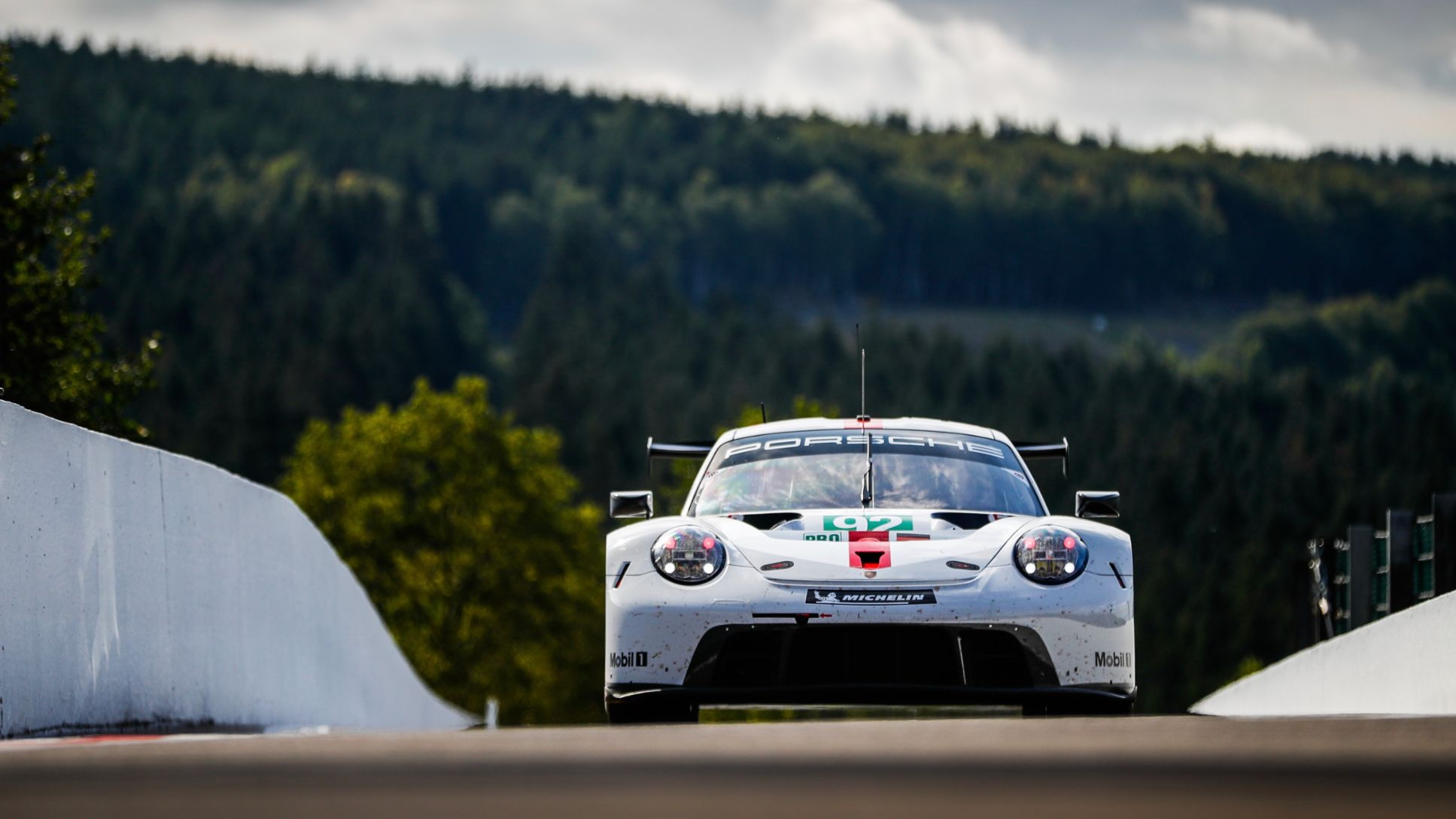 Data from the Porsche 911 RSR transferred in milliseconds - Image 8