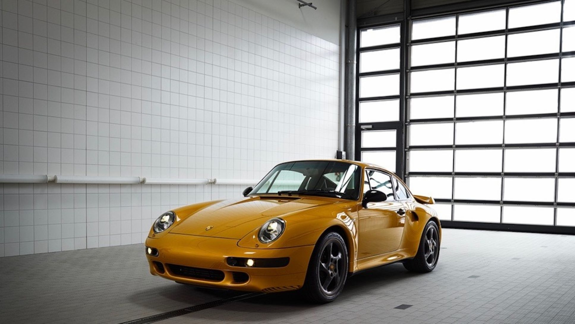 993 Turbo, Classic Project Gold, 2018, Porsche AG