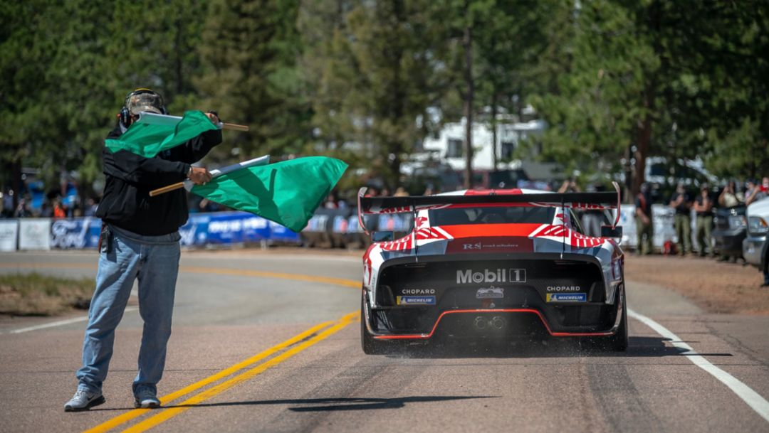Highlight clip of Jeff Zwart and the 935 at Pikes Peak
