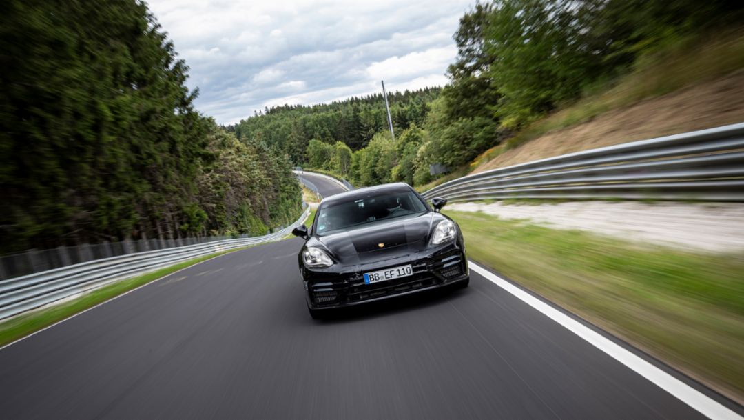 New Panamera achieves lap record on the Nürburgring Nordschleife