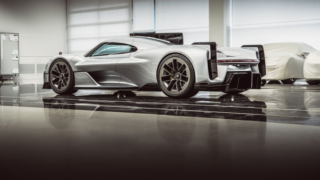 Porsche Unseen: future perfect - Image 3