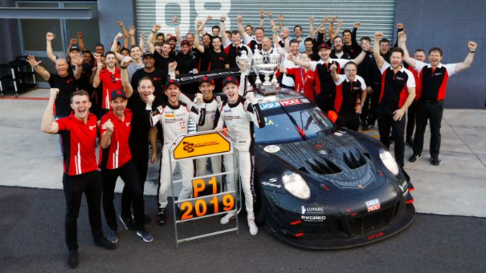 Porsche EBM customer team, 2020, Porsche AG