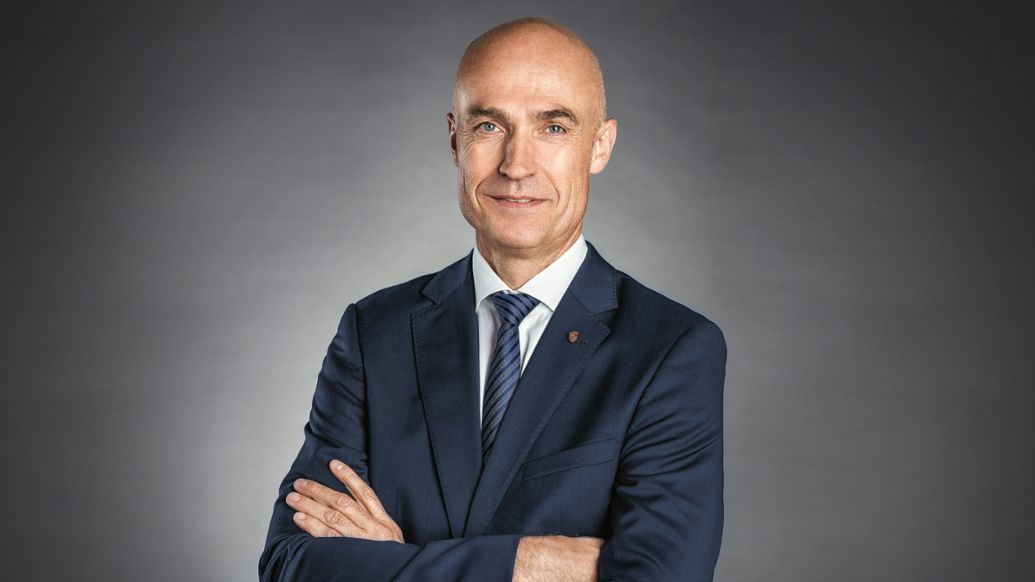 Manfred Bräunl, CEO of Porsche Middle East and Africa FZE, Porsche AG