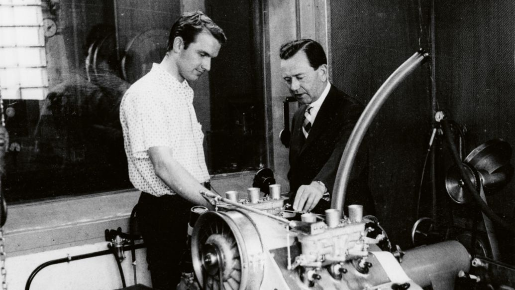 Ferdinand Piëch, Ferry Porsche, l-r, engine of the Type 718/2 of the Porsche 901, approx. 1963, Porsche AG