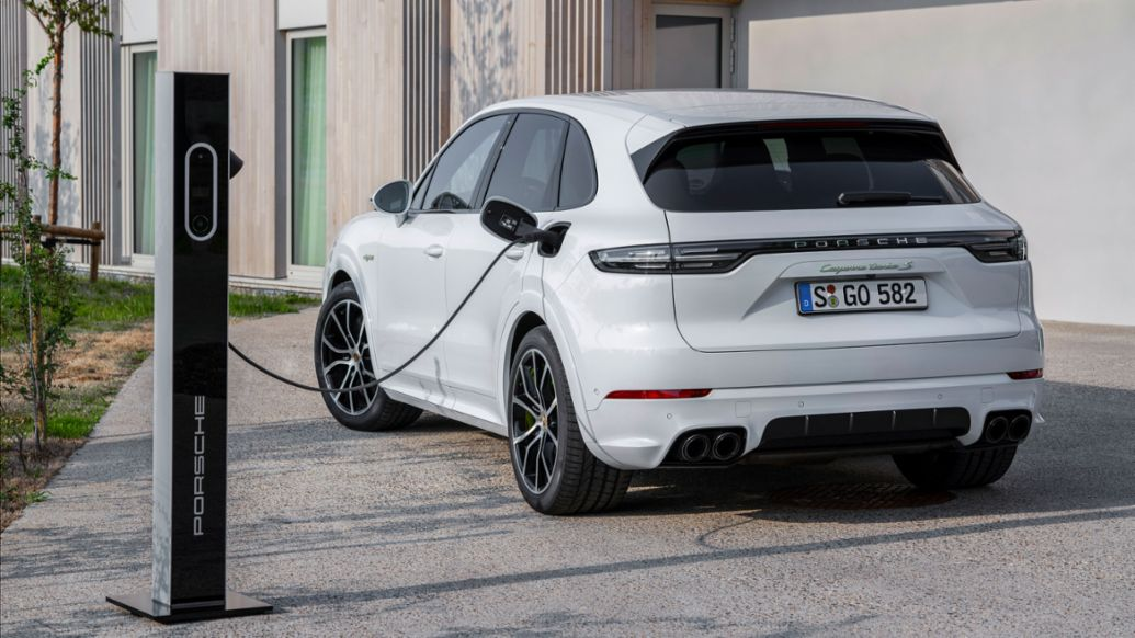 Porsche is electrifying its managers - Image 2
