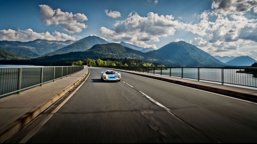 "906, ""Curves Southern Germany"", 2020, Porsche AG"