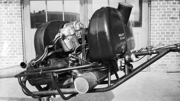 Volkswagen engine with top-mounted Roots-type compressor, Type 170, 2020, Porsche AG