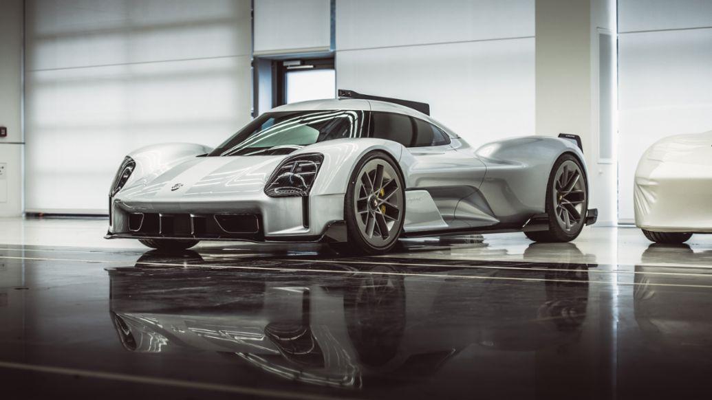 Porsche 919 Street (2017; 1:1 clay model), 2020, Porsche AG