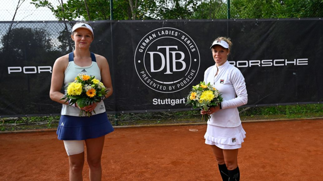 Finalistin Anna Zaja, Siegerin Laura Siegemund, Porsche Team Deutschland, l-r, German Ladies' Series presented by Porsche, Vorrunde in Stuttgart, 2020, Porsche AG
