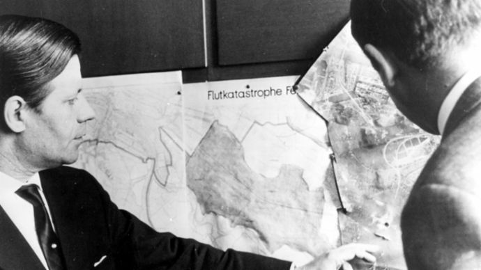 Helmut Schmidt, minister of the interior for the city-state of Hamburg during the flood of 1962, Porsche Consulting GmbH