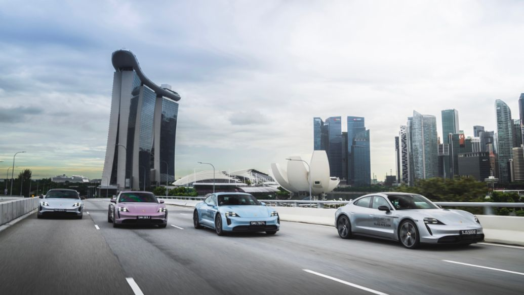 Floral Porsche Taycan in the Gardens by the Bay - Image 2