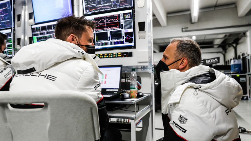 Data from the Porsche 911 RSR transferred in milliseconds - Image 7