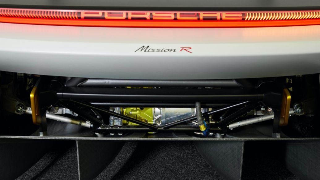 Mission R: Innovative e-motors, high-end battery and 900 volts - Image 4