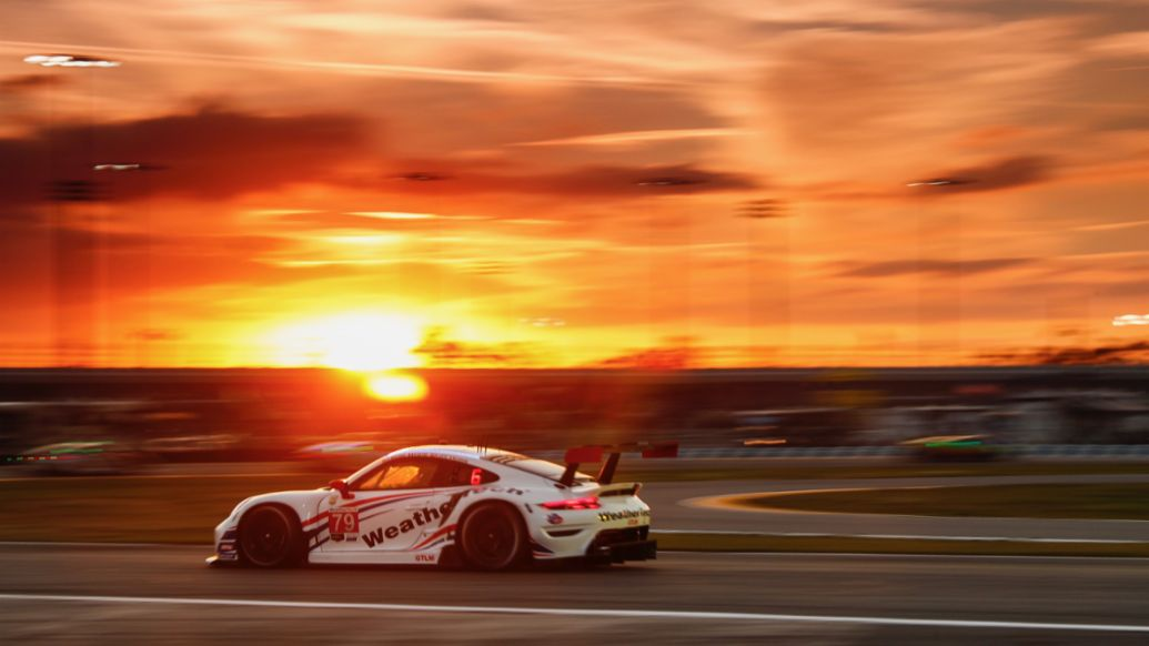 Porsche customer team Wright Motorsports starts from the first grid row - Image 1