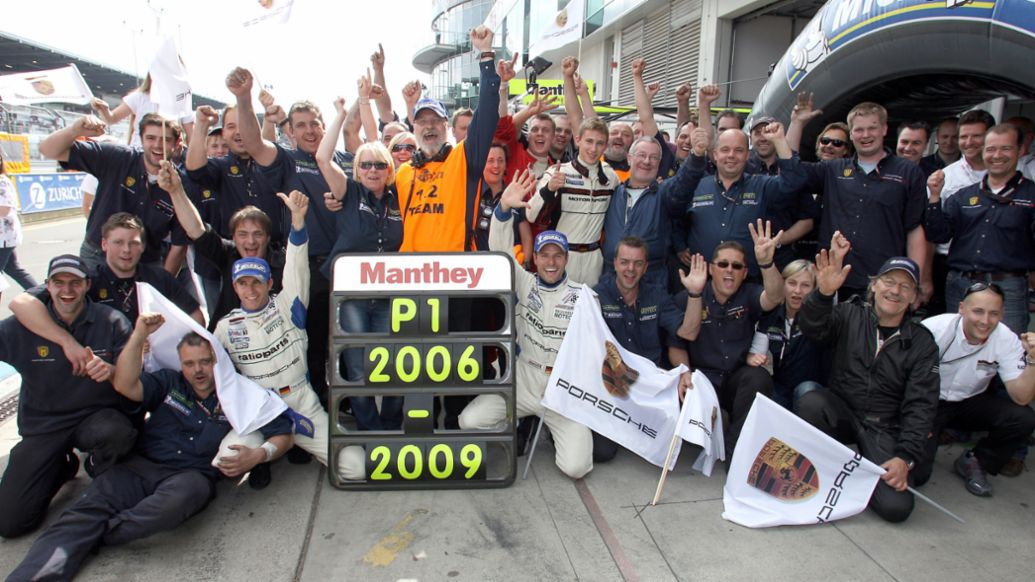 Die Siegesserie von Manthey-Racing auf dem Nürburgring zwischen 2006 und 2009, 2021, Porsche AG