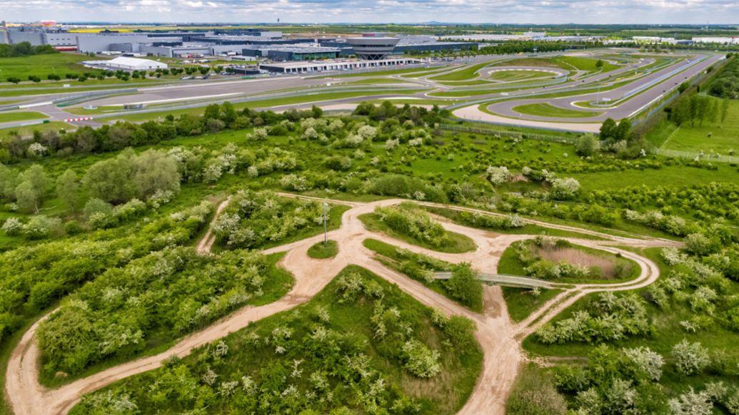 Offroads Gelände, Porsche Leipzig, 2021, Porsche AG