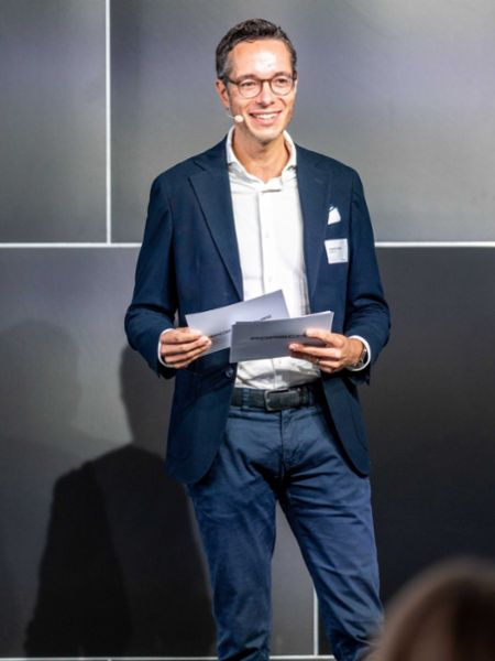 Sebastian Rudolph, Vice President Communications, Sustainability and Politics, aware_Conference, Berlin, 2020, Porsche AG