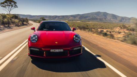 Product Highlights: Porsche 911 Turbo – Benchmark for the past 45 years