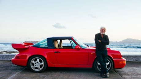 The only one around: a red Porsche 964 Targa