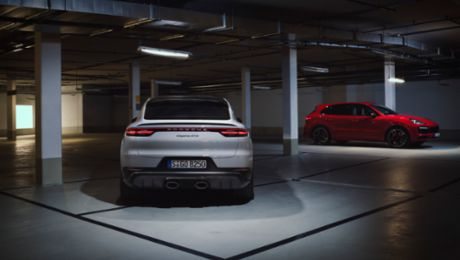 Sporty SUV duo: the new Cayenne GTS models