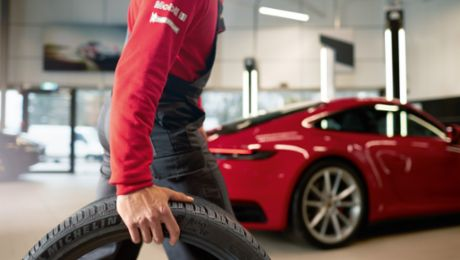 Customers rate Porsche dealers even higher during pandemic