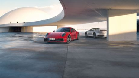 The new 911 Carrera 4 Coupé and 911 Carrera 4 Cabriolet