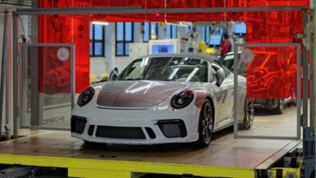 Last 911 of the 991 generation comes off the production line
