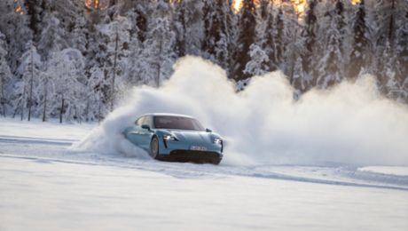 Hot on ice – the Taycan in climatic extremes