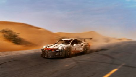 Mirage maker: Lego Porsche 911 RSR in the desert