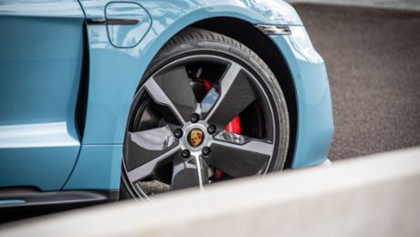 Porsche reports robust demand in the first nine months
