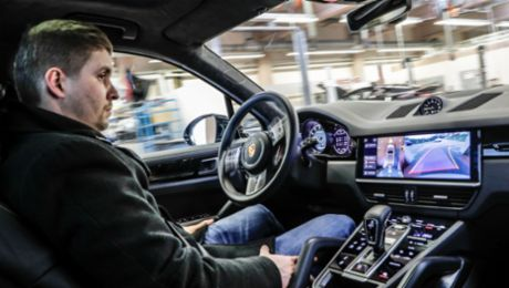 Porsche demonstrates autonomous driving in the workshop