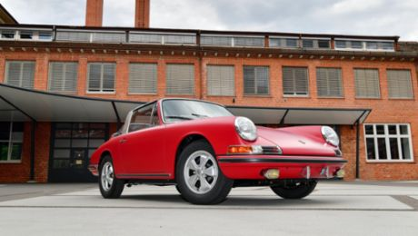 Factory restoration in perfect form: Porsche 911 S Targa