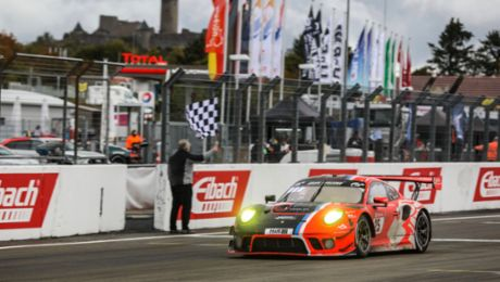 Two Porsche in the top ten at a difficult Eifel classic