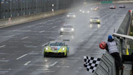 Leon Köhler celebrates first Carrera Cup win, title decided at finale