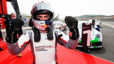 PMSC: Lights-to-flag victory for Porsche Junior Ayhancan Güven at Silverstone