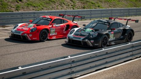 Commemorating the first Le Mans win: Porsche cars line up with special liveries