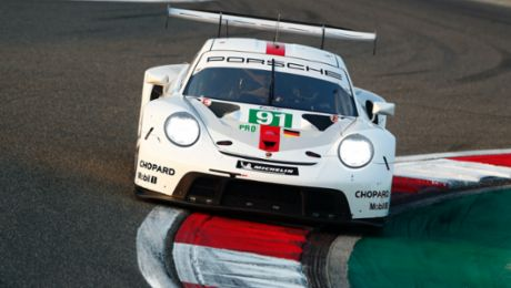 Porsche tackles endurance classic at Le Mans with top crews
